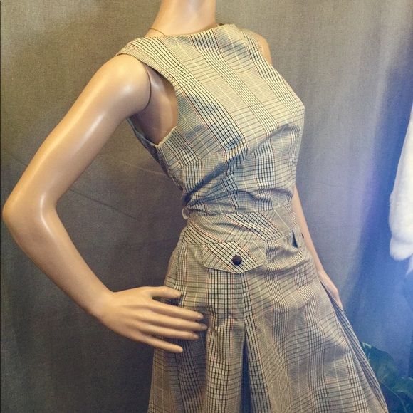 Isaac Mizrahi Dresses & Skirts - Classy plaid Isaac Mizrahi dress